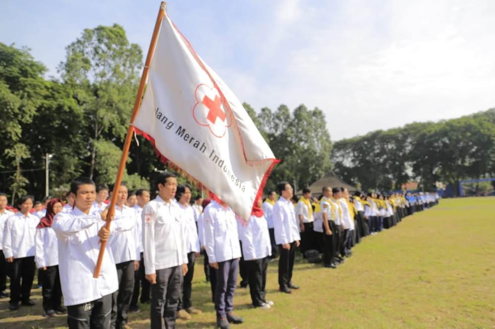 Upacara Pelantikan pengurus Korps Sukarela PMI Kota Tangerang di lapangan Ahmad Yani, Alun-alun, Kota Tangerang, Minggu (17/3/2019).