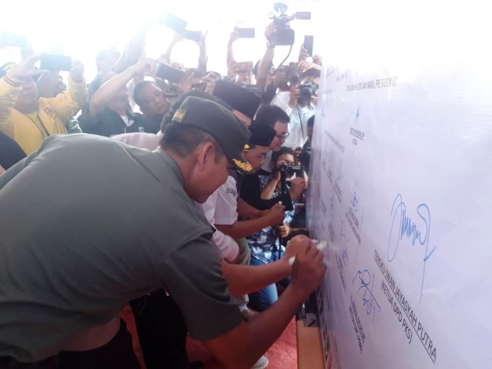 Kegiatan Deklarasi Kampanye Pemilu Damai tahun 2019 di Lapangan Ahmad Yani, Alun-alun, Kota Tangerang, Jumat (22/3/2019).