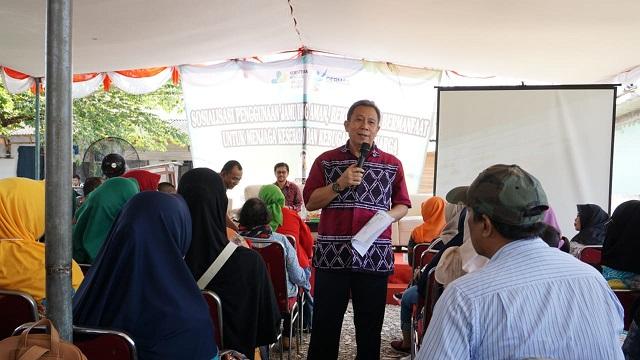 Kegiatan sosialisasi penggunaan jamu aman, bermutu, dan bermanfaat untuk menjaga kesehatan kebugaran keluarga di Kampung Kelapa, Kelurahan Pasir Jaya, Kecamatan Jatiuwung, Kota Tangerang, Kamis (4/4/2019).