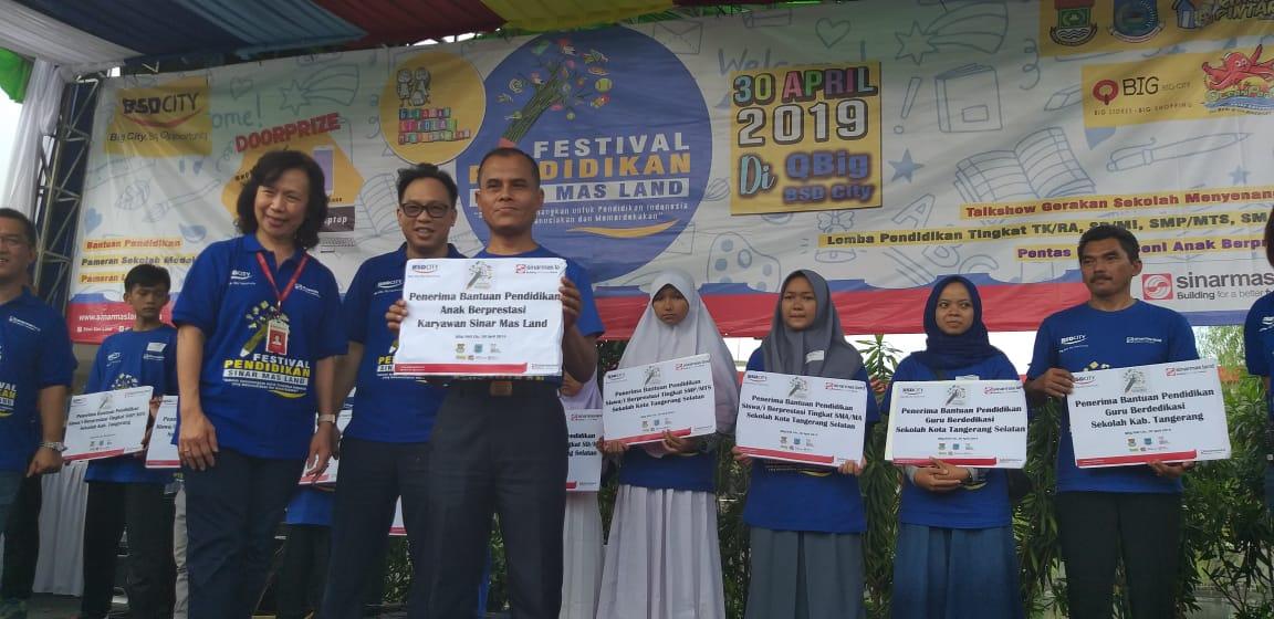Kegiatan Festival Pendidikan yang diselenggarakan di Mall Qbig,BSD City.
