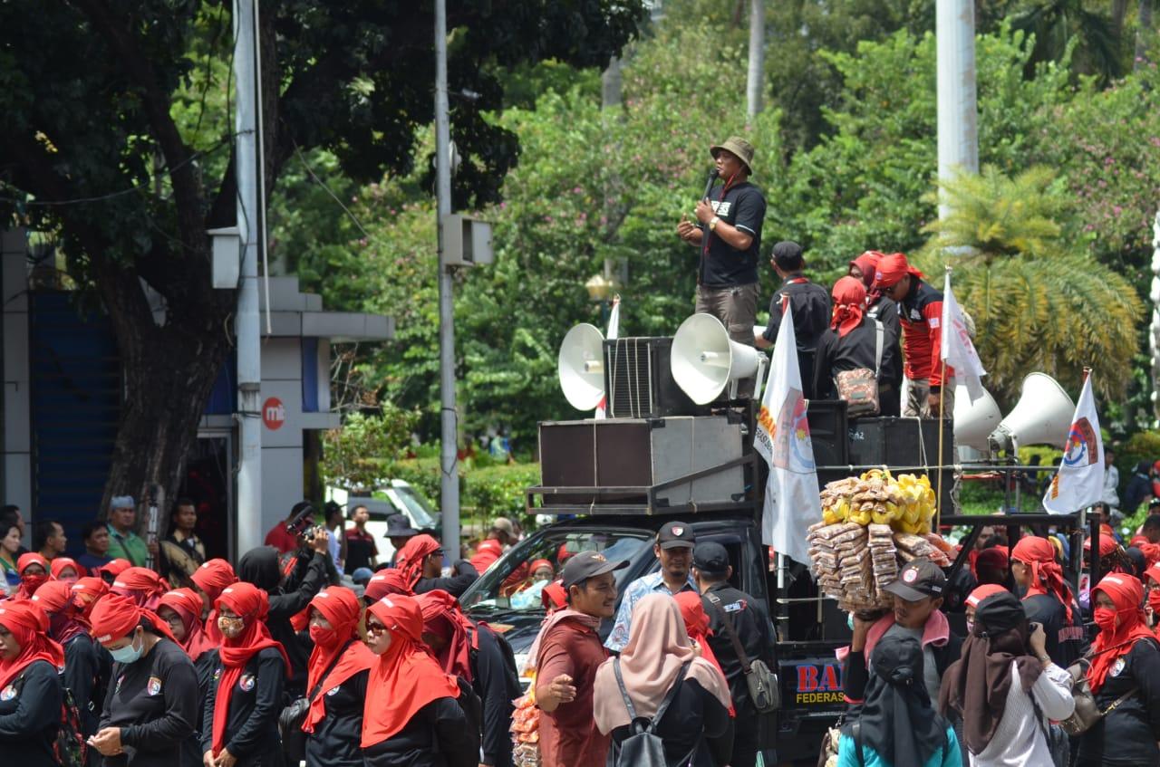 Kegiatan memperingati Hari Buruh Internasional (May Day) di Lapangan Ahmad Yani, Alun-alun, Kota Tangerang, Rabu (1/5/2019).