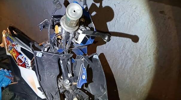 Kondisi motor yang rusak tertabrak truk.
