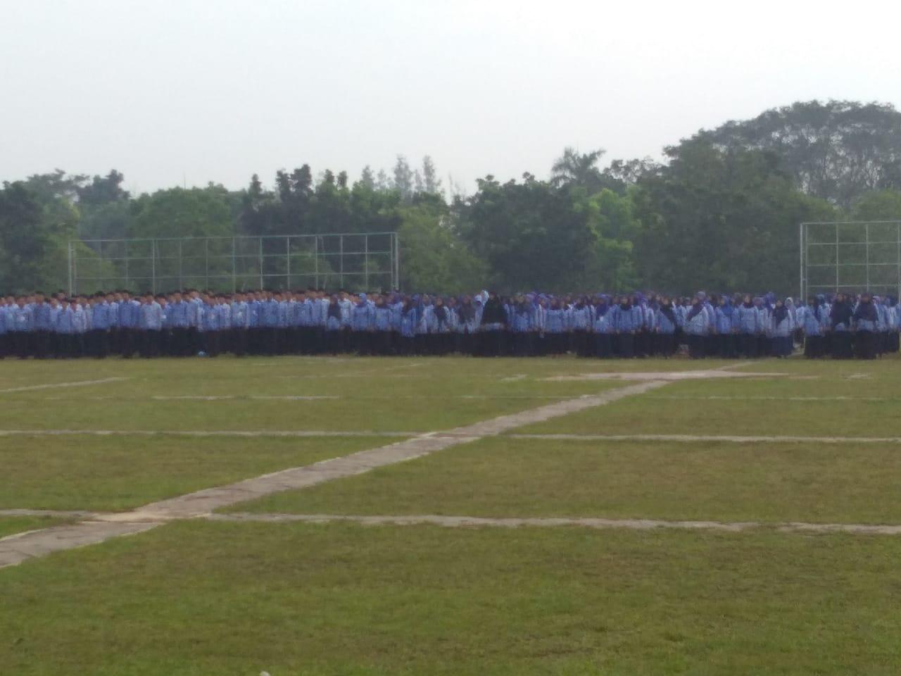 Upacara peringatan Hari Lahir Pancasila di lapangan Maulana Yudha Negara, Puspemkab Tangerang di Tigaraksa, Sabtu (01/6/2019).