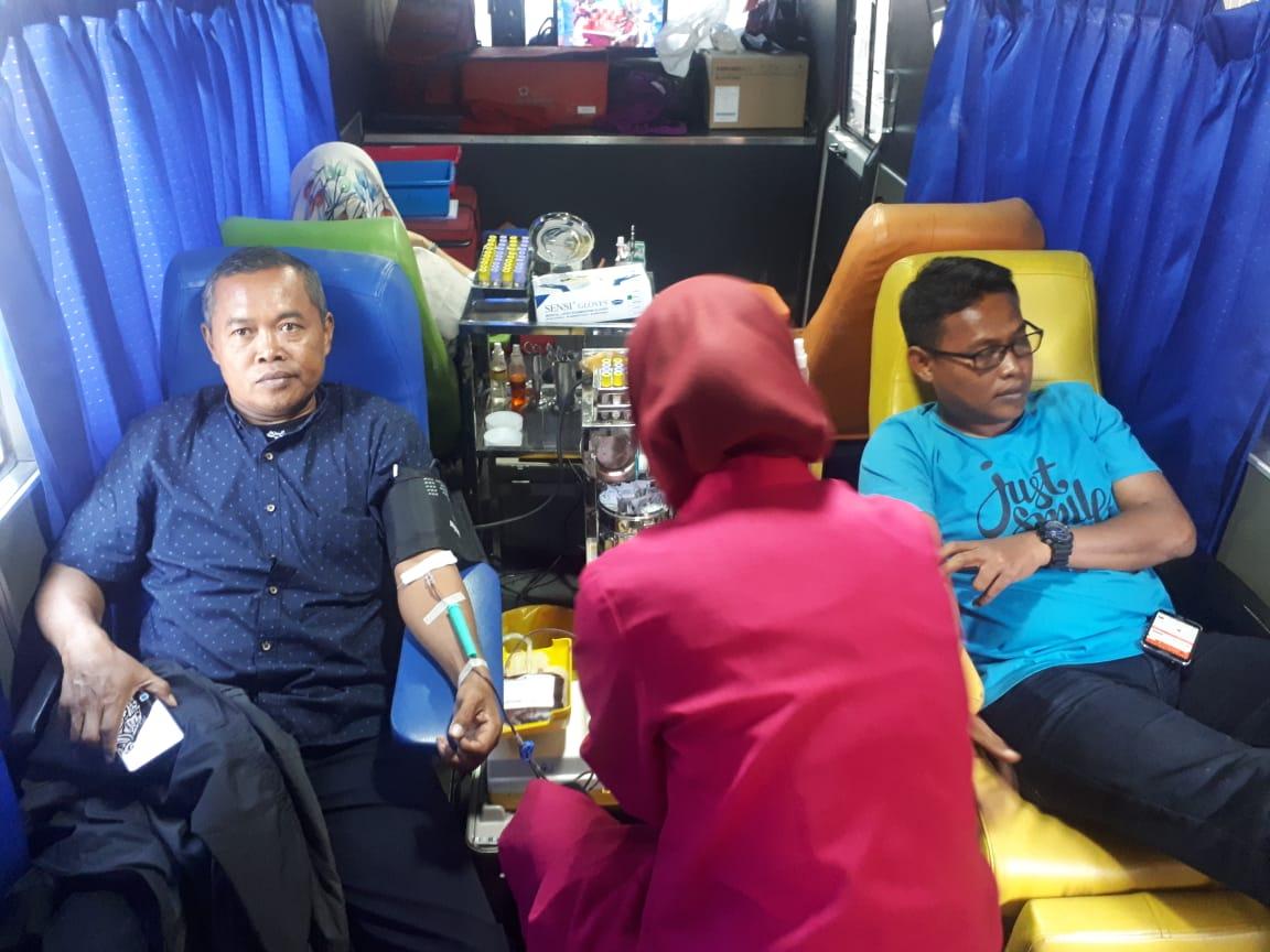Kegiatan Donor Darah di PMI Kota Tangerang.