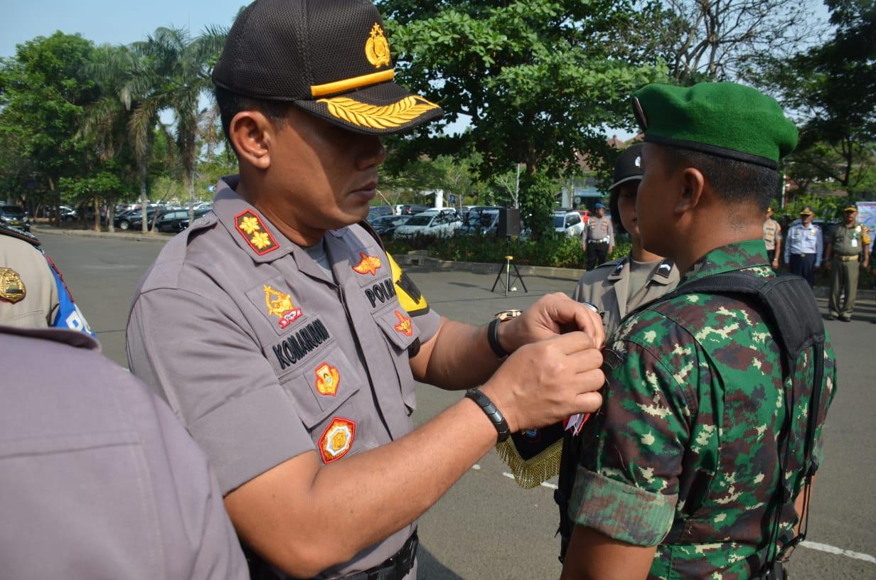 Polresta Tangerang menggelar kegiatan apel konsolidasi Operasi Mantap Brata Kalimaya di depan Gedung Serba Guna (GSG), Puspemkab Tangerang, Senin (21/10/19).