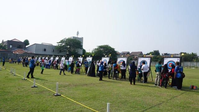 Perlombaan olahraga panahan di Stadion Galapuri, Ciledug.