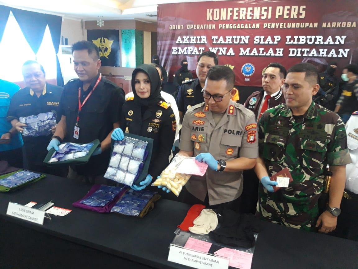 Konferensi Pers pengungkapan kasus penyelundupan narkoba jaringan luar negeri di Bandara Soekarno-Hatta, Tangerang.
