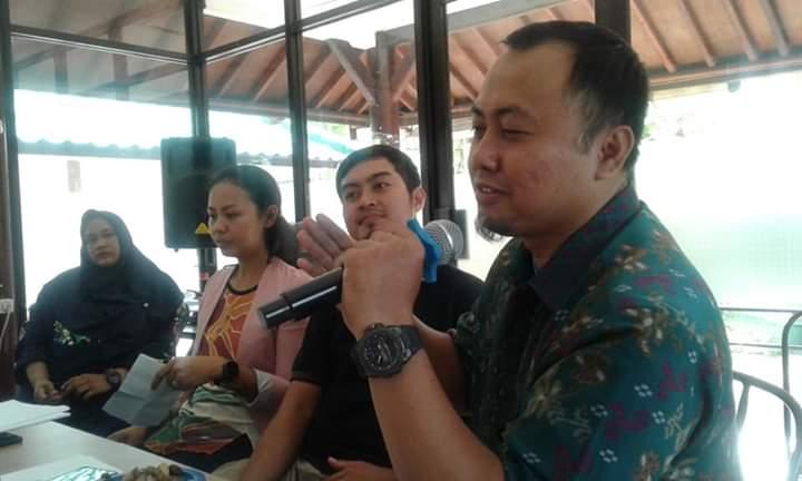 Ketua Umum Persatuan Panahan Indonesia Kota Tangerang Edi Suhendi saat memberikan sambutan.