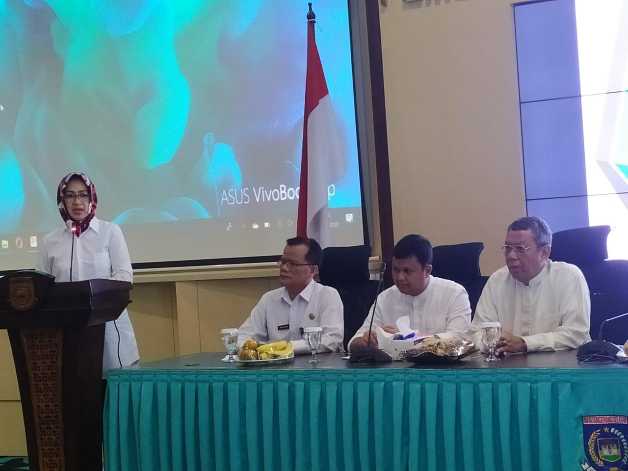 Wali Kota Tangsel Airin Rachmi Diany saat memberikan sambutannya di kegiatan Forum Organisasi Perangkat Daerah (OPD) RSU dan Dinas Kesehatan di Ruang Blandongan, Puspemkot Tangsel, Ciputat, Tangsel.
