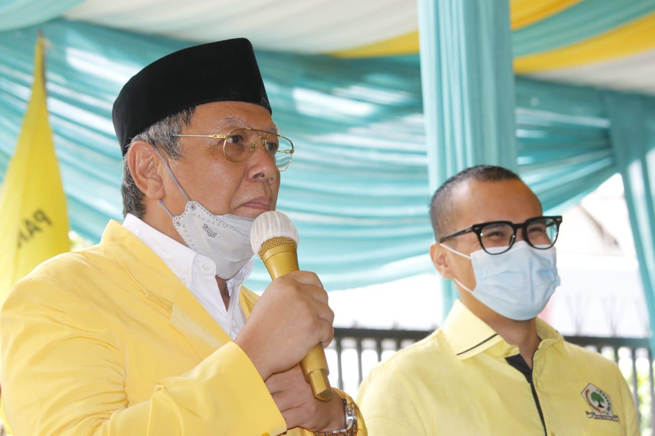 Pasangan Wali Kota dan Wakil Wali Kota Tangerang Selatan Benyamin Davnie - Pilar Saga Ichsan saat menggelar tasyakuran di Kantor Sekretariat Golkar Tangsel, Serpong, Tangsel, Senin (22/2/2021).
