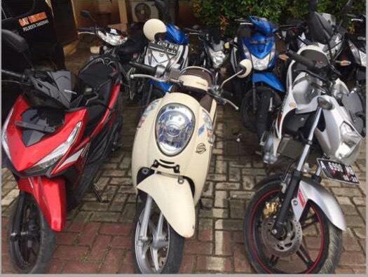 Barang bukti sejumlah motor hasil dari pencurian komplotan maling motor.