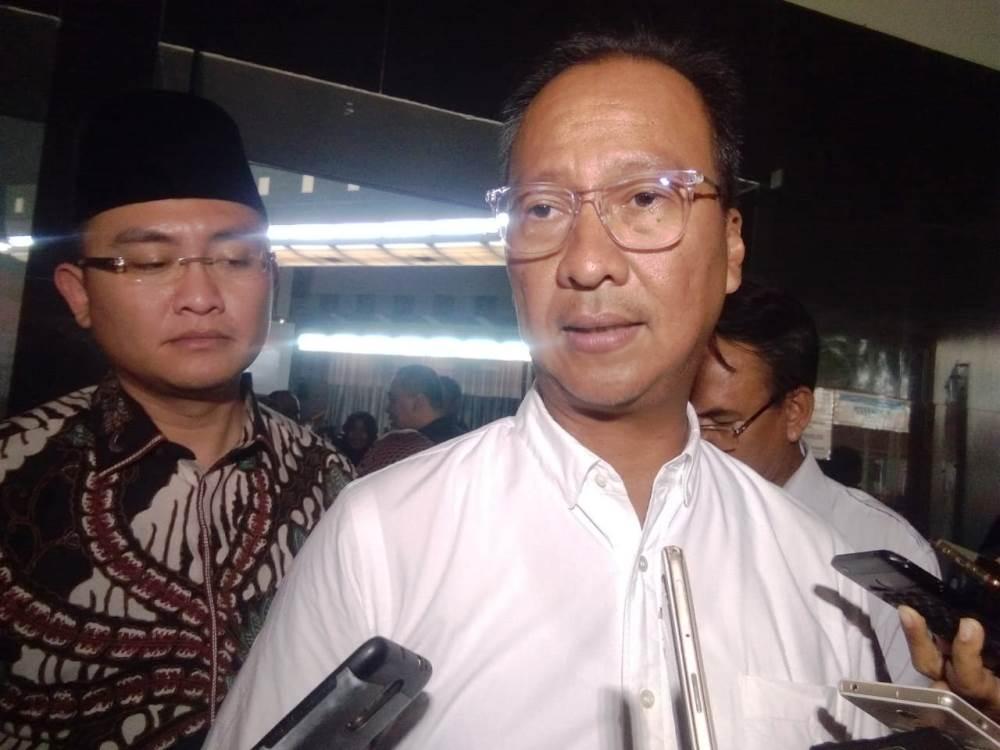 Menteri Sosial Agus Gumiwang kartasasmita.