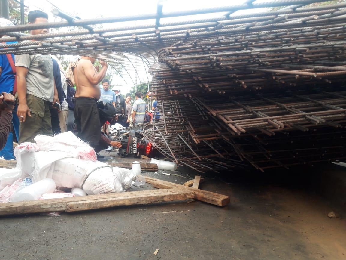 Terjadi kecelakaan truk di Jalan Daan Mogot, Batuceper, Kota Tangerang, Rabu (25/9/2019) hingga menewaskan pengendara motor.
