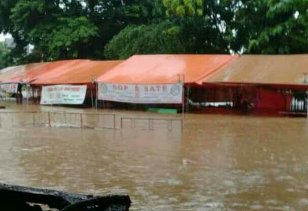 Banjir di sekitar kawasan Situ Kelapa Dua.