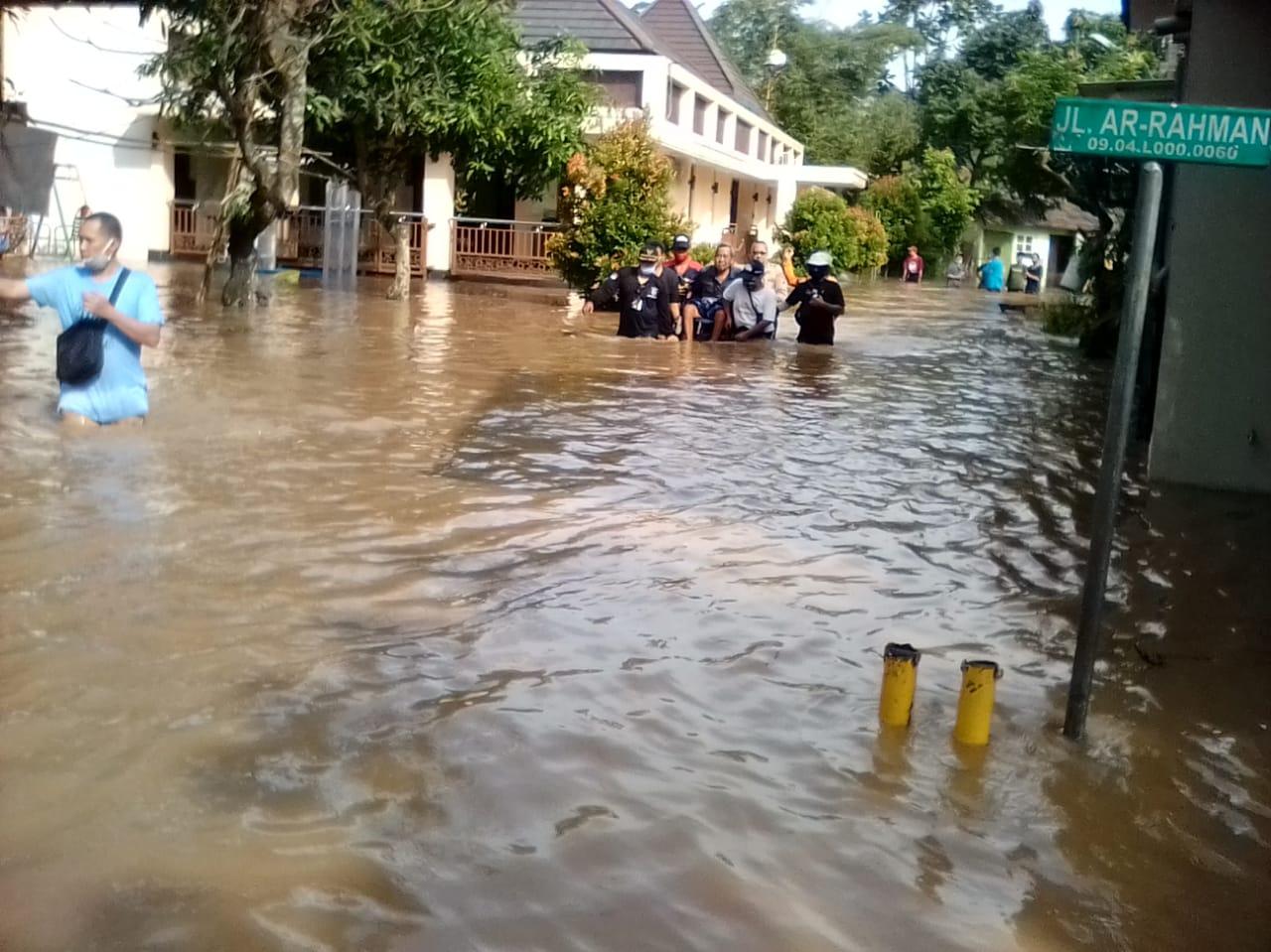 Banjir di Perumahan Villa Pamulang, Kota Tangerang Selatan.