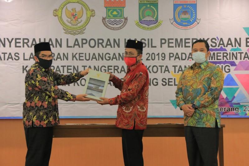 Wali Kota Tangerang H Arief R Wismansyah menerima laporan hasil pemeriksaan BPK atas Laporan Keuangan TA 2019, di Kantor BPK RI Perwakilan Banten, Serang, Selasa (23/6/2020) lalu.
