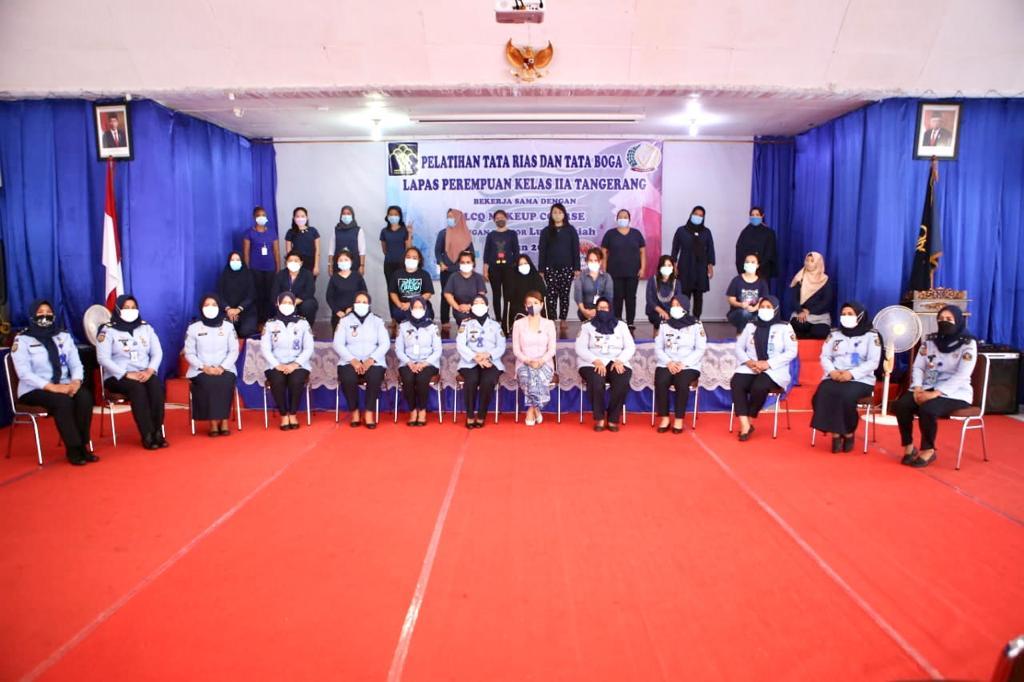 Kegiatan pelatihan tata rias kepada Narapidana di Lembaga Pemasyarakatan Perempuan Kelas IIA Tangerang.