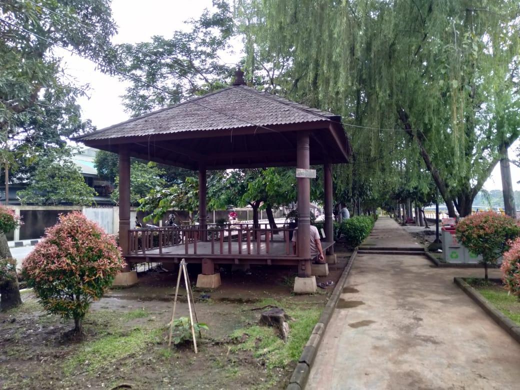 Taman Eco Park di Jalan Pintu air, Kelurahan Mekarsari, Kecamatan Neglasari, Kota Tangerang,Jumat (26/2/2021).