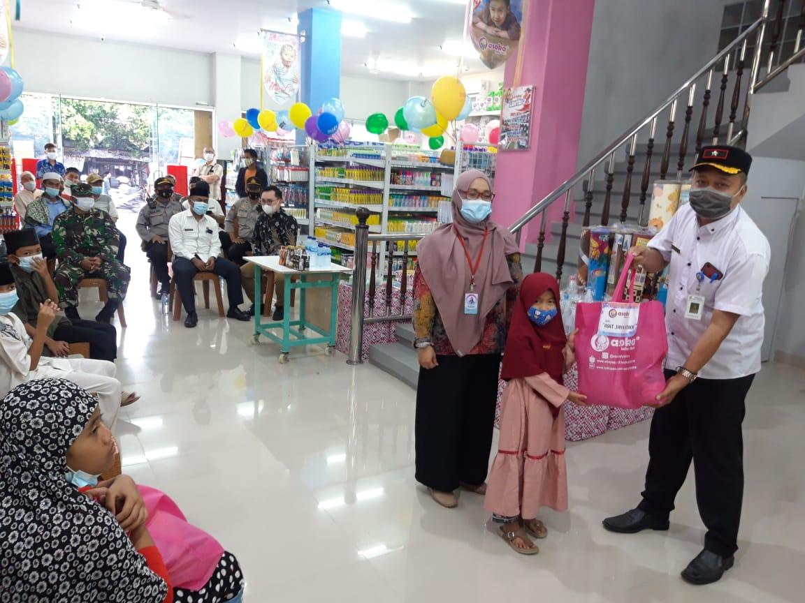 Peresmian toko Asoka Baby Store yang berlokasi di Jalan HOS Cokroaminoto, Ciledug, Kota Tangerang, Jumat (26/3/2021).