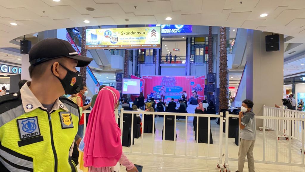 Program khusus loyalty customer diadakan secara live melalui siaran langsung Instagram dan YouTube Channel Tangcity Mall dari Main Atrium, Sabtu (27/3/2021).