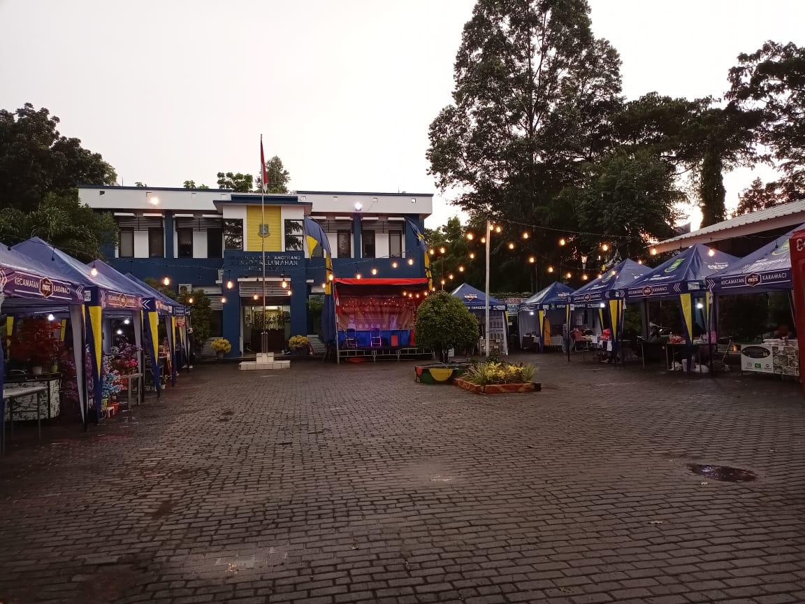 Bazar UMKM & Takjil Ramadan yang berlokasi di Kelurahan Nusa Jaya, Kota Tangerang, Kamis (15/4/2021)
